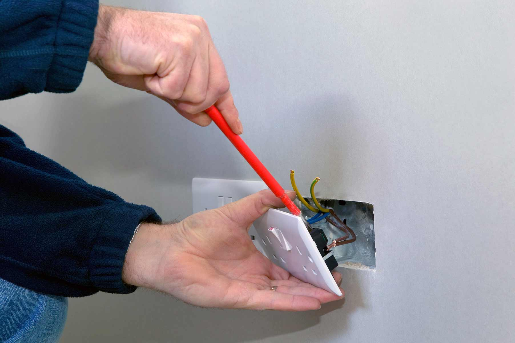 Our electricians can install plug sockets for domestic and commercial proeprties in Purfleet and the local area.